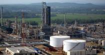 Two Dozen Investors Keen on IPO of Vietnam's Sole Oil Refinery