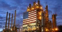 Tồn kho Mỹ bất ngờ giảm, giá dầu lên đỉnh 7 tuần