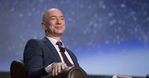 Jeff Bezos chính thức vượt Bill Gates thành người giàu nhất thế giới