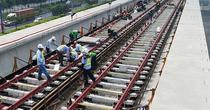[Video] Hơn 2,4 km đường ray metro Sài Gòn được lắp hoàn thành