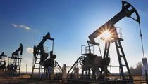Giá dầu giảm do dự báo nguồn cung của OPEC có thể tăng trong tháng 7