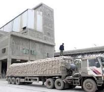 Bộ Xây dựng yêu cầu doanh nghiệp xi măng không được chở quá tải