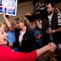Bà Clinton có đảo ngược được thất bại trước ông Sanders tại Kentucky, Oregon?