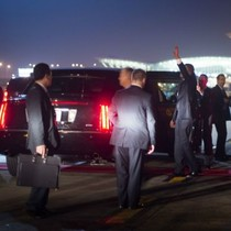 Những hình ảnh ấn tượng đầu tiên khi ông Obama tới Việt Nam