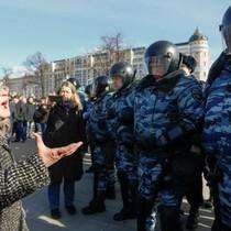 Hàng nghìn người biểu tình chống tham nhũng trên khắp nước Nga