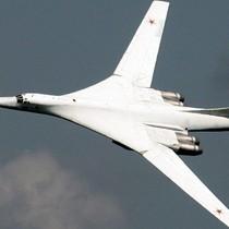 Siêu máy bay ném bom Tu-160 sẽ làm tăng sức mạnh quân sự Nga