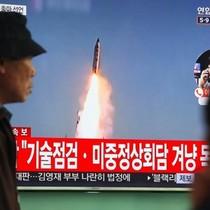 """Mỹ """"bắt tay"""" với Trung Quốc tìm một loạt giải pháp về Triều Tiên"""