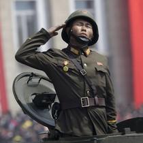 Báo Nga hé lộ lý do Bình Nhưỡng phô trương các loại tên lửa mới