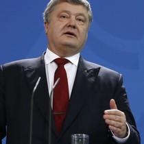 Tổng thống Ukraine đề nghị Ngoại trưởng Mỹ thảo luận việc đưa quân vào Donbass