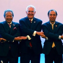 ASEAN ra thông cáo chung, kêu gọi tránh quân sự hóa ở Biển Đông