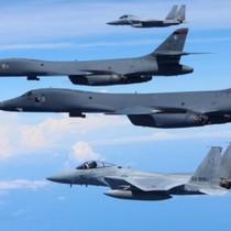 Chiến đấu cơ Mỹ-Nhật tập trận ở Biển Hoa Đông, gần bán đảo Triều Tiên
