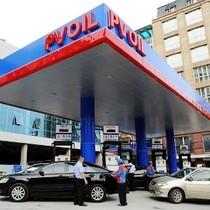 Lạ đời dầu giảm, doanh nghiệp kêu lỗ đòi giữ giá