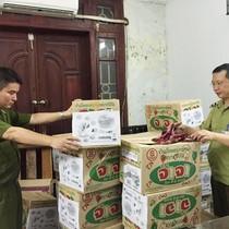 """Hà Nội: Bắt quả tang một công ty """"tái sản xuất"""" bánh kẹo Thái Lan hết hạn sử dụng"""