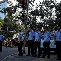 """Lực lượng khẩn cấp Bắc Kinh trực chiến trước phán quyết """"đường lưỡi bò"""""""