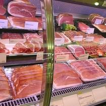 """Thịt châu Âu """"đổ bộ"""" vào Việt Nam, thịt nội có giảm giá để cạnh tranh?"""
