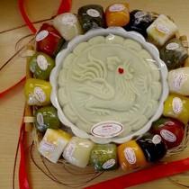 Bánh hình gà lễ chùa đắt khách đầu năm
