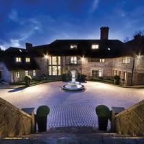 Siêu biệt thự sở hữu sân golf riêng ở Anh