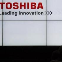 Samsung ngừng kế hoạch đầu tư, Toshiba nguy cơ phá sản