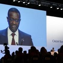 Lãnh đạo Credit Suisse xin tự giảm thưởng 40%