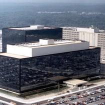 """Chính phủ Mỹ """"hack hệ thống ngân hàng toàn cầu""""?"""
