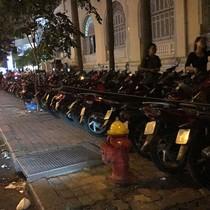 Cả chục bãi xe tự phát nhưng chính quyền không biết?