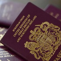 Số công dân EU xin cấp hộ chiếu Anh tăng mạnh thời hậu Brexit