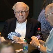 Warren Buffett muốn người kế vị không bị tiền chi phối
