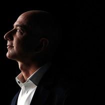 """Những """"góc khuất"""" của ông chủ Amazon Jeff Bezos"""