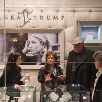 Ế khách nhà giàu, thương hiệu Ivanka Trump chuyển hướng về khách bình dân