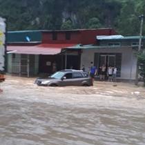 Mưa lớn, cửa khẩu Tân Thanh ngập trong biển nước