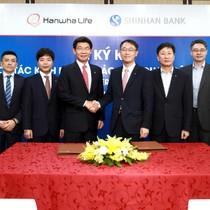 Hanwha Life Việt Nam và Shinhan Bank Việt Nam ký thỏa thuận hợp tác kinh doanh bảo hiểm qua ngân hàng