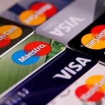 Dân Mỹ đột ngột vỡ nợ thẻ tín dụng