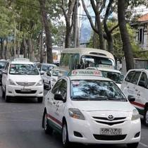 Vinasun cho thuê xe 600.000-800.000 đồng/ngày: Tài xế nói gì?