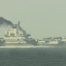 Tàu sân bay Liêu Ninh nhả khói đen gây quan ngại ở Hong Kong