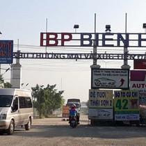"""""""Xẻ thịt"""" đất sân bay Biên Hòa"""
