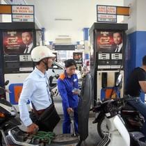 Giữ ổn định giá xăng, dầu diesel tăng nhẹ