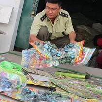 Thu giữ 1 tấn đồ chơi Trung Quốc nhập lậu