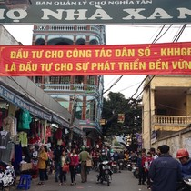 Chậm di dời, chợ Nhà Xanh nhếch nhác giữa lòng Hà Nội