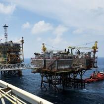 Kinh tế trông chờ trụ đỡ mới khi giá dầu giảm sâu