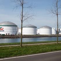 Ngành kinh doanh bể chứa dầu lên ngôi