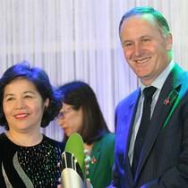 Thủ tướng New Zealand trao tặng giải thưởng New Zealand ASEAN cho bà Mai Kiều Liên