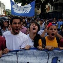 """Phe đối lập Venezuela gửi """"tối hậu thư"""" cho Tổng thống"""