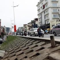 Chủ tịch Hà Nội: Thành phố chỉ đề xuất thay thế đoạn đê đất bằng bê tông