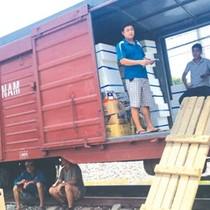 Đường sắt tụt đáy mới nghe khách hàng