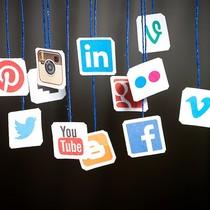 """Thích nghi với """"mạng xã hội mới"""""""