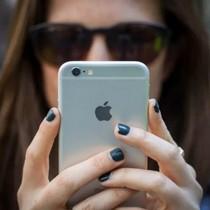 """""""Đừng mua iPhone, hãy dùng tiền để chăm sóc sức khỏe"""""""