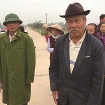 """Dân phản đối xã xây """"chui"""" khu xử lý rác"""