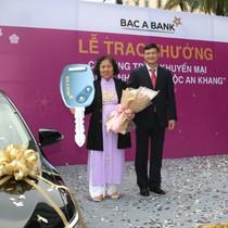 """BAC A BANK trao thưởng chương trình khuyến mại """"Trao quà như ý, Gửi lộc an khang"""""""
