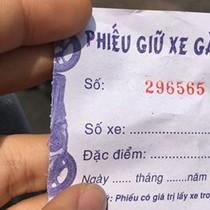 """Loạn bãi xe tư nhân """"chặt chém"""" ở Sài Gòn"""