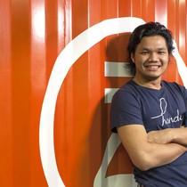 """25 tuổi, chàng trai này sở hữu startup tỷ đô đầu tiên của Hong Kong nhờ việc cho khách du lịch """"mượn điện thoại"""""""